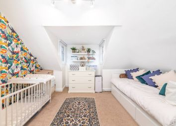 Sunningfields Road, Hendon, London NW4. 2 bed flat for sale