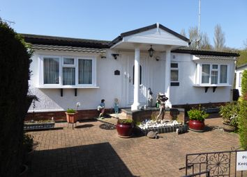 2 bed mobile/park home for sale in Bushey Hall Park, Bushey Drive, Bushey, Hertfordshire, 2Ge WD23