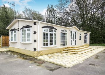 Thumbnail 2 bedroom mobile/park home for sale in Oaklands, Hook Common, Hook