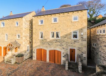 Thumbnail 5 bed detached house for sale in Hill Top Road, Newmillerdam, Wakefield