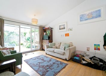 Thumbnail 4 bedroom maisonette to rent in Hilldrop Crescent, Tufnell Park