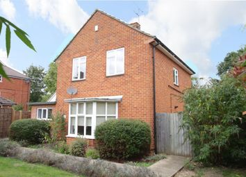 Thumbnail 1 bed flat to rent in Reading Road, Pangbourne, Reading