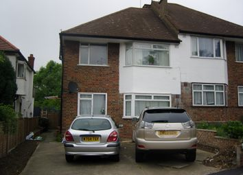 2 bed maisonette to rent in Station Close, Finchley Central N3
