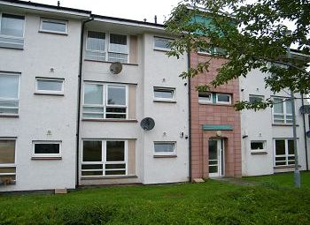 Thumbnail 2 bed flat to rent in Flat 2/2 4 Netherton Avenue, Anniesalnd, Glasgow