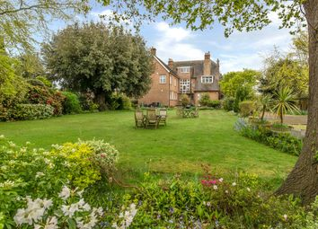 2 bed flat for sale in Calonne Road, Wimbledon Common SW19
