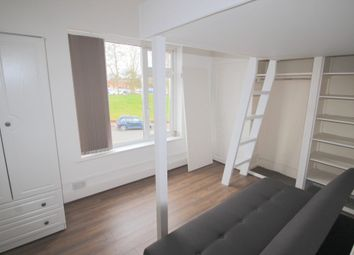 Thumbnail Room to rent in West Street, Wellingborough