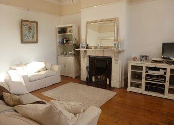 Thumbnail 1 bed flat to rent in Birdhurst Rise, South Croydon