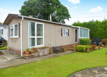 Thumbnail 2 bedroom mobile/park home for sale in Winchester Road, Fair Oak, Eastleigh