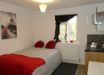 Thumbnail Studio to rent in Foundry Street, Bilston