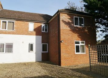 Thumbnail 2 bed flat to rent in Wootton Road, Abingdon-On-Thames