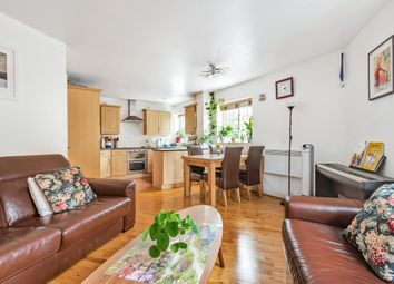 Thumbnail Flat for sale in Constable Close, London