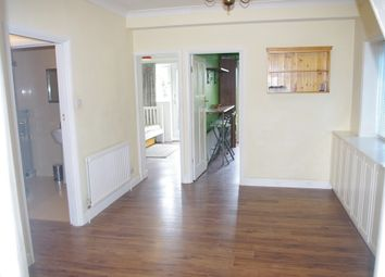 Thumbnail Room to rent in Pennine Parade, Pennine Drive, London