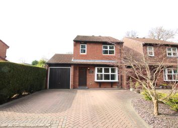 Thumbnail 4 bed link-detached house to rent in Merrivale Gardens, Horsell, Woking