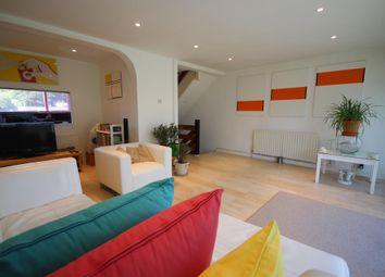 Thumbnail 3 bed flat to rent in Wharfedale, Hemel Hempstead