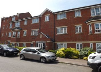 2 bed flat to rent in Watling Gardens, Dunstable LU6