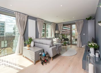 Pendant Court, 4 Shipwright Street, Royal Wharf E16. 3 bed flat