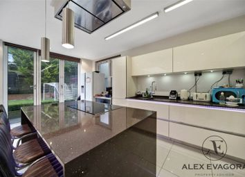 Thumbnail 5 bed detached house to rent in Barnet Road, Arkley, Barnet