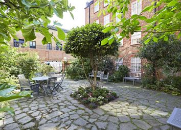 Thumbnail 2 bed flat for sale in Kings Court North, Kings Road, Chelsea, London