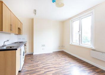 Thumbnail 2 bed flat to rent in Aldenham Road, Radlett