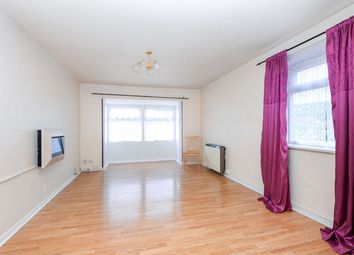 2 bed flat for sale in Cliffe Gardens, Shipley BD18
