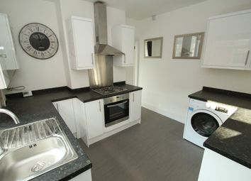 Thumbnail 2 bed flat to rent in Knighton Road, Leicester