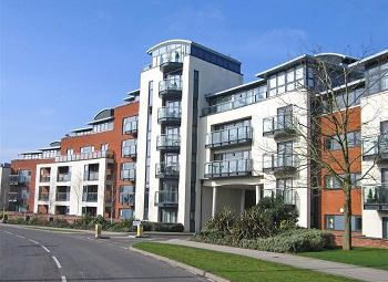 Thumbnail 2 bed flat to rent in Kings Gate, Horsham, West Sussex