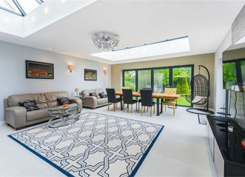Thumbnail 6 bed detached house for sale in Kemsley Chase, Farnham Royal, Buckinghamshire