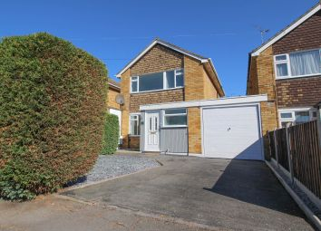 Thumbnail 3 bed link-detached house for sale in Highcliffe Close, Wickford