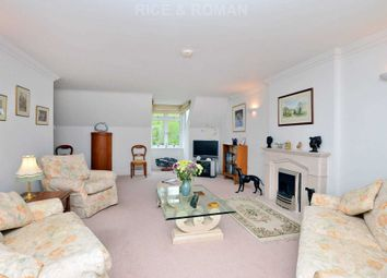 3 bed flat for sale in Church Road, Claygate, Esher KT10
