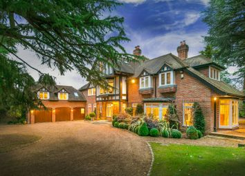 Thumbnail 7 bed detached house for sale in Burtons Way, Chalfont St. Giles