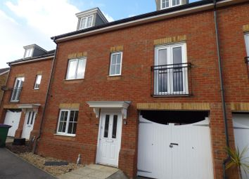 Thumbnail 5 bed property to rent in Storey Crescent, Hawkinge, Folkestone