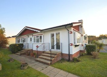 Thumbnail 2 bed mobile/park home for sale in Beechwood Avenue, New Park, Bovey Tracey, Newton Abbot