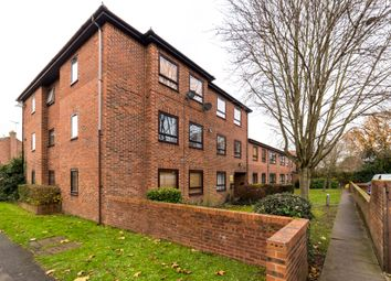 Thumbnail 3 bed flat for sale in The Paddocks, Savill Way, Marlow
