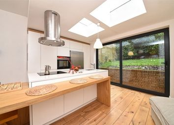 2 bed flat for sale in Woodland Rise, London N10