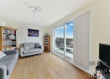 Thumbnail 1 bed flat to rent in Lavender Avenue, Worcester Park