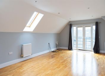 2 bed flat to rent in Main Road, Sidcup DA14
