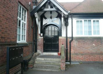 Thumbnail 1 bed flat to rent in Ratcliffe Road, Clarendon Park / Stoneygate