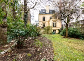 Thumbnail 6 bed property for sale in Neuilly Sur Seine, Paris, France