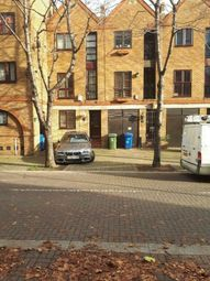 4 bed property to rent in Brunswick Quay, Surrey Quays SE16