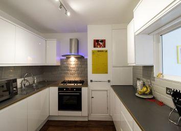 2 bed flat for sale in Lyonsdown Road, New Barnet, Barnet EN5