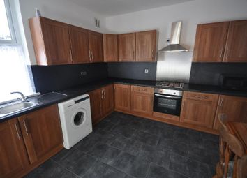 Thumbnail 4 bedroom shared accommodation to rent in Harold Terrace, Hyde Park, Leeds