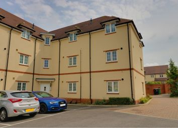 Thumbnail 2 bedroom flat for sale in Kimmeridge Road, Oxford