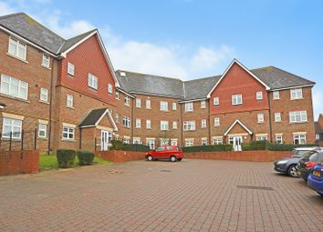 Thumbnail 2 bed flat for sale in Gravelly Field, Ashford