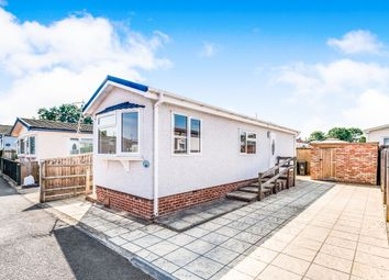 Thumbnail 1 bed mobile/park home for sale in Severn Crescent, Didcot