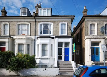 2 bed maisonette to rent in Percy Road, Shepherd's Bush, London W12
