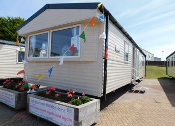 Thumbnail 2 bed mobile/park home for sale in North Drive, Great Yarmouth Holiday Park