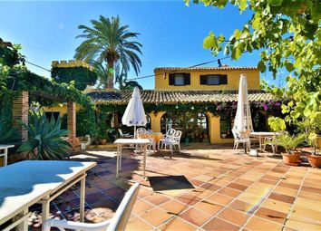 Thumbnail Chalet for sale in Calp, Alicante, Spain