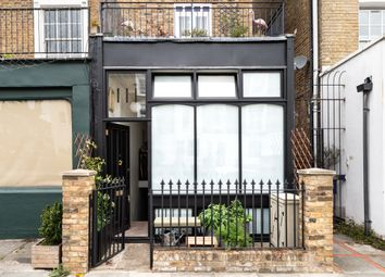 2 bed maisonette for sale in Mortimer Road, London N1