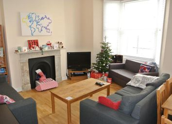 Thumbnail 3 bedroom flat to rent in Offley Road, London