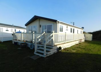 Thumbnail 2 bedroom mobile/park home for sale in Parkdean Resorts, Beach Road, Kessingland